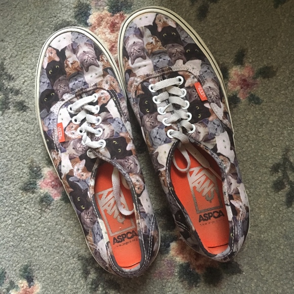 b7c09ea034 VANS ASPCA Kitten Cat Print Sneaker Shoes RARE. M 5b81938aaa8770b37795d4c6